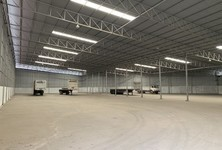 For Rent Warehouse 2,400 sqm in Mueang Samut Sakhon, Samut Sakhon, Thailand