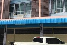 For Sale 2 Beds Townhouse in Si Prachan, Suphan Buri, Thailand