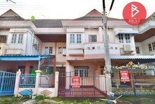 For Sale 2 Beds Townhouse in Bang Khla, Chachoengsao, Thailand