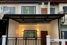 For Sale 2 Beds Townhouse in Bang Yai, Nonthaburi, Thailand