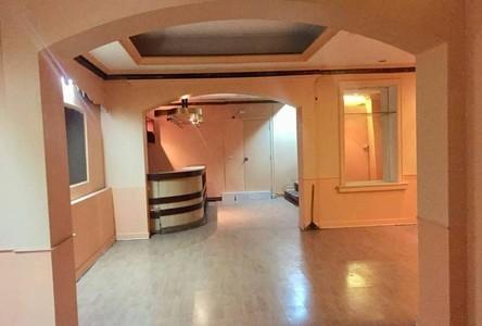 ให้เช่า ทาวน์เฮ้าส์ 2 ห้องนอน คลองเตย กรุงเทพฯ