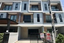 For Sale or Rent 3 Beds Townhouse in Bang Phli, Samut Prakan, Thailand