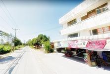 For Sale 6 Beds Shophouse in Ongkharak, Nakhon Nayok, Thailand