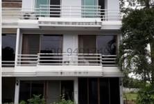 For Rent 3 Beds Townhouse in Ban Laem, Phetchaburi, Thailand