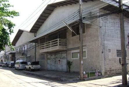 For Sale Retail Space 2,156 sqm in Lam Luk Ka, Pathum Thani, Thailand