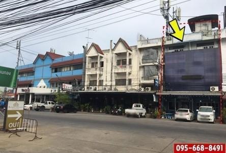 For Sale Retail Space 112 sqm in Uthai, Phra Nakhon Si Ayutthaya, Thailand