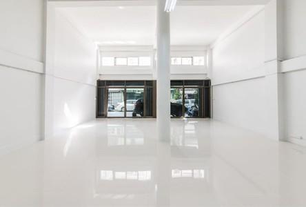 For Sale Warehouse 800 sqm in Bang Kho Laem, Bangkok, Thailand