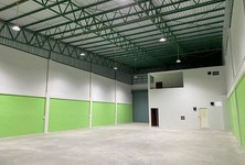 For Rent Retail Space 2,800 sqm in Sam Phran, Nakhon Pathom, Thailand