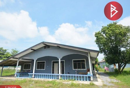 For Sale 5 Beds House in Song Phi Nong, Suphan Buri, Thailand