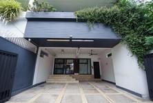 For Rent 4 Beds Office in Phaya Thai, Bangkok, Thailand