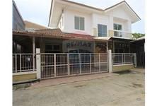 For Sale 4 Beds House in Krathum Baen, Samut Sakhon, Thailand
