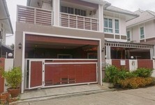 For Sale 5 Beds House in Krathum Baen, Samut Sakhon, Thailand