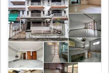 For Sale Townhouse 164 sqm in Watthana, Bangkok, Thailand