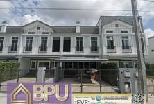 For Rent 3 Beds House in Prawet, Bangkok, Thailand