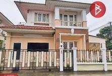 For Sale 5 Beds House in Mueang Samut Sakhon, Samut Sakhon, Thailand