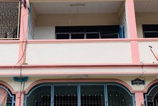 For Rent 2 Beds Townhouse in Bang Khae, Bangkok, Thailand