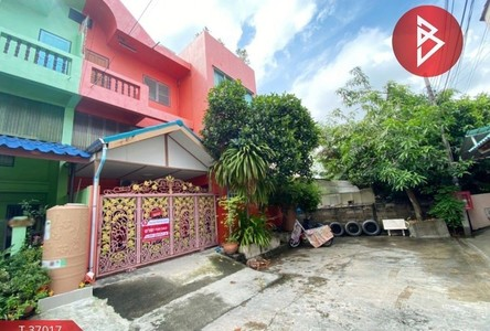 For Sale 5 Beds Townhouse in Mueang Samut Sakhon, Samut Sakhon, Thailand