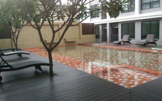 A Pool Condo Bangna
