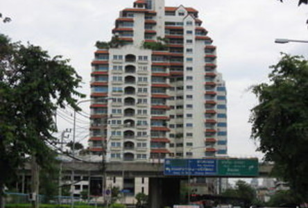 For Sale or Rent 3 Beds Condo in Yan Nawa, Bangkok, Thailand