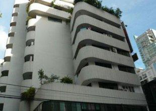 В том же здании - Premier Condominium