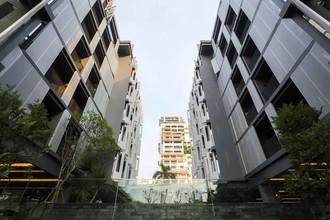 Located in the same building - Siamese Gioia
