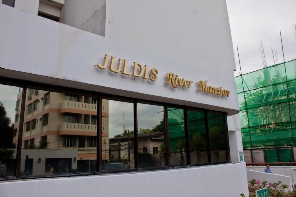 Juldis River Mansion