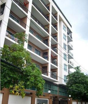 C Place Ladprao 18