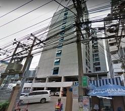 В том же здании - Ruenrudee Condominium