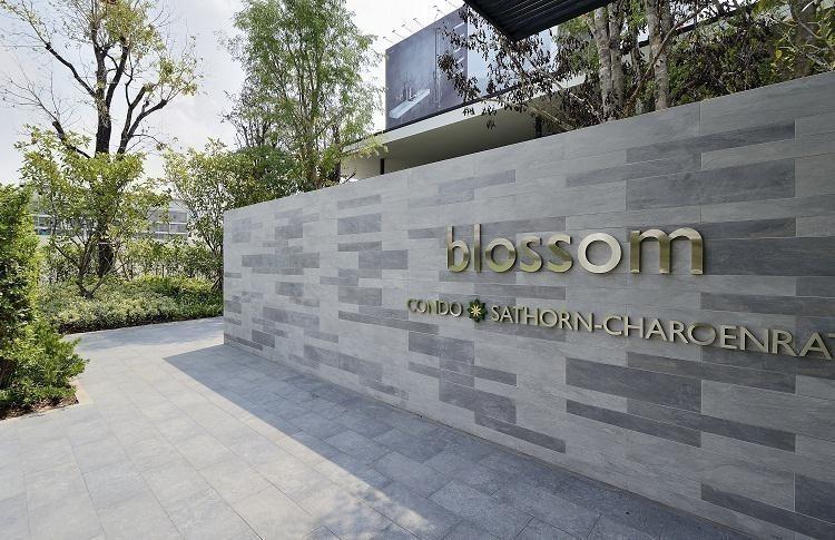 Blossom Condo @ Sathorn - Charoenrat