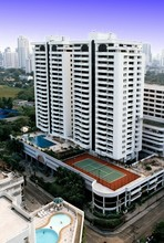 Located in the same building - Centre Point Residence Phrom Phong