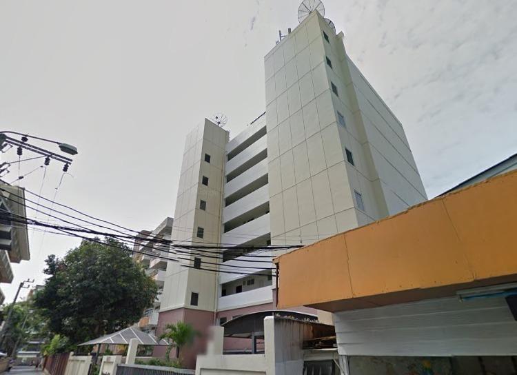 Premier 20 Apartment
