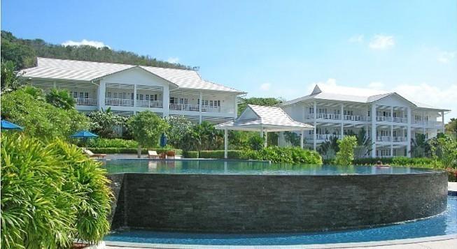 Ocean Breeze Resort & Suites